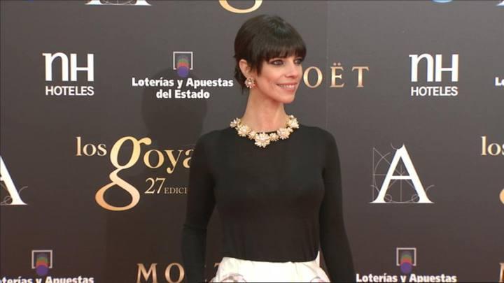pendientes y collar de Maribel Verdú margaritas goya 2013 Destaca-te