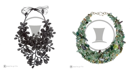 Collar Ramos negro con ramas, flores y hojas de cristal que desfiló en la Madrid Fashion Week con la colección de Alvarano y el collar Babel verde, 100% artesanal con piedras y cristales de Pepita Grillo