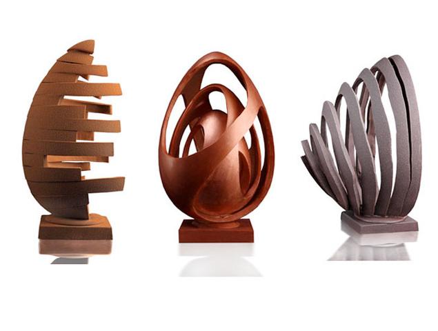 Detalle de los huevos de pascua de chocolate de Oriol Balaguer publicados por El País