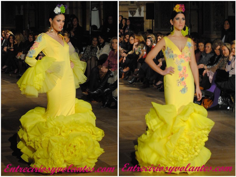 Juana Martín en color amarillo