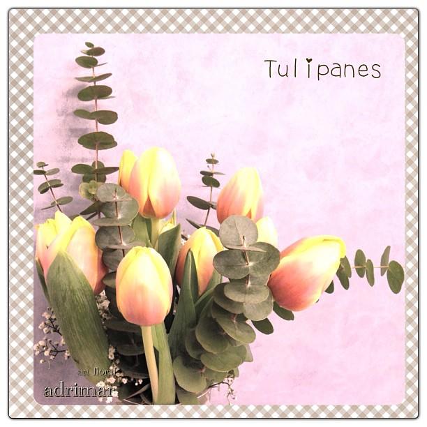 Arreglo de tulipanes de Adrimar Art Floral