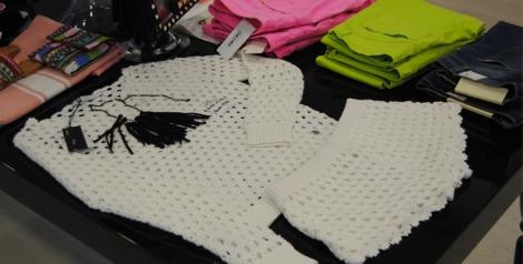 Conjunto de short y jersey de punto blanco
