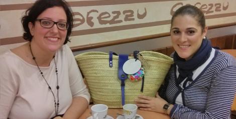 Con Marta tomando un café
