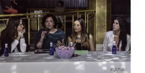 Imágen de una de mis intervenciones durante la mesa redonda con Raquel, Macarena y Virtudes. J. Félix Gimeno