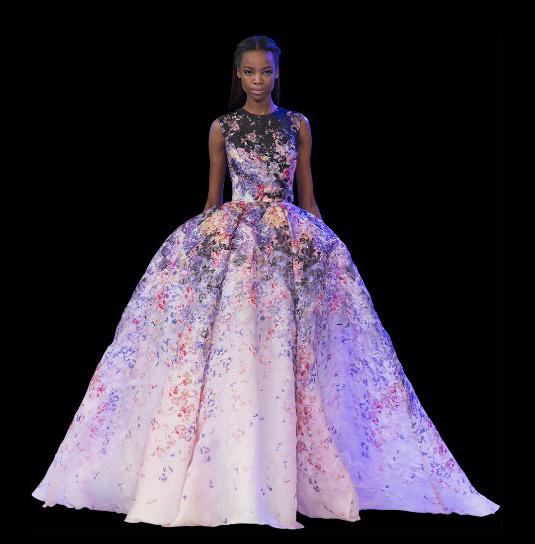 El vestido más espectacular del desfile de alta costura de Elie Saab