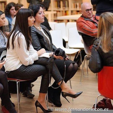 Paloma Silla (Destáca-te) con María Benimeli y Josep Lozano en las conferencias de la Valencia Fashion Week en Las Naves. Imagen de Fernando Rincón