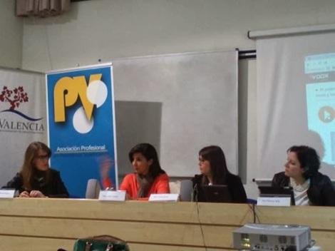 Charla de APPV. En la imagen, Marta Mínguez, Isabel Cosme, Inma Aznar y Paloma Silla (Destáca-te)