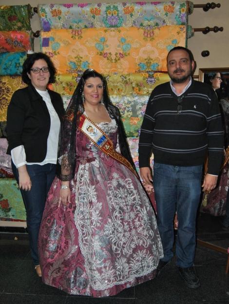 Yo con Leticia, la modelo del post, y Juan de Tejidos Mora