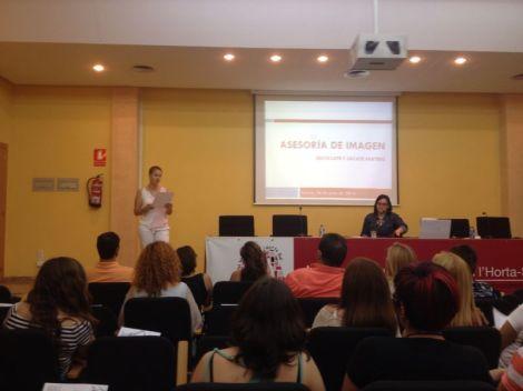 Momento de la presentación al inicio de la charla