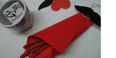 Golosinas y cuidados detalles en la mesa preparada por Destáca-te