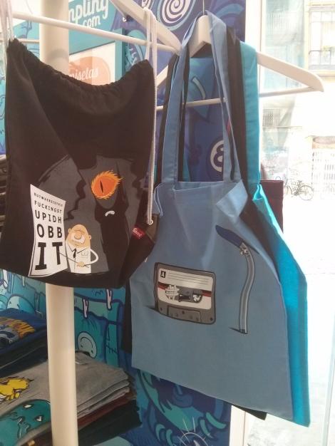 También podemos encontrar bolsas con divertidos diseños