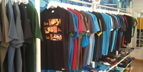 Gran surtido de colores, tallas e ilustraciones que podemos encontrar en la tienda