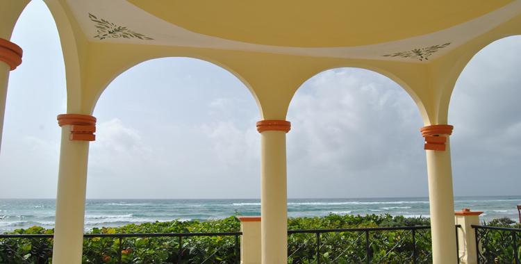 Un cobertizo espectacular a la orilla del mar