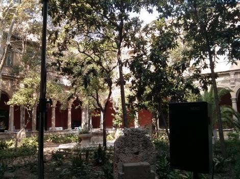 El jardín del claustro del centro del Carmen fue testigo de las propuestas de los más jóvenes