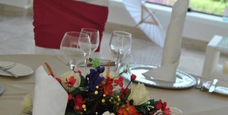 Los centros de mesa también son un elemento diferenciador para personalizar el evento