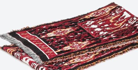 Pañuelo grueso de Zara. Ideal para protegerse en los días más fríos