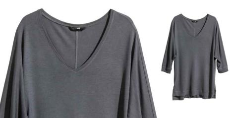 Camiseta manga murciélago en color gris de H&M. Un básico de armario que no puede faltaros esta temporada. Precio: 9.99 euros