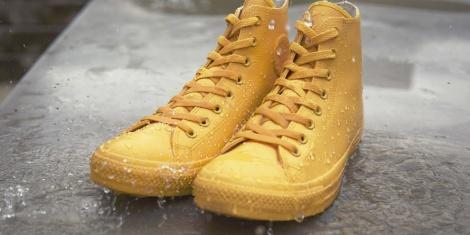 Chuck Tayllor All Star de Converse. Con la esencia de la firma pero impermeable para protegerse de la lluvia