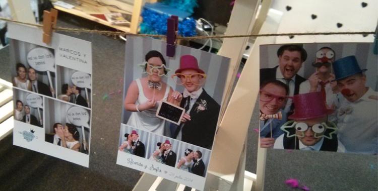 Sugerencia de presentación de fotos para decorar una boda