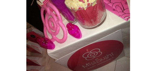 Detalles de la decoración de Miss sushi durante las experiencias bloggers -empresas