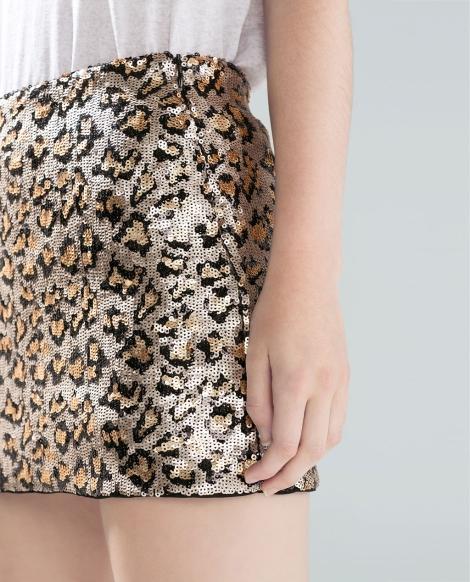Minifalda de lentejuelas de Zara