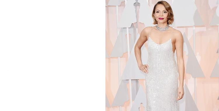 Carmen Ejogo una muestra del plata que triunfó en la noche de los Óscar. Imagen de CNN