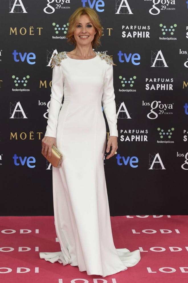 Cayetana Guillemn Cuervo en imagen de Grazia España con un traje de alta costura y detalles en oro de 18 quilates