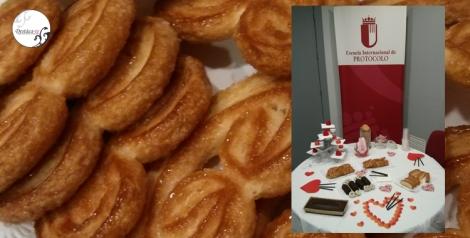Detalle de la mesa dulce del que pudimos disfrutar con las alumnas y el personal de la escuela