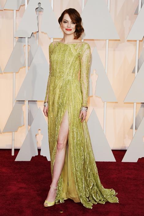 Emma Stone de Elie Saab. Mi favorita de esta noche en imagen de Imagen de Getty Images y Cordon Press para Grazia
