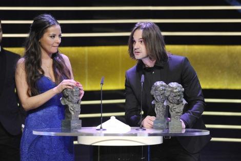 Carmen y Pedro recogen el Goya