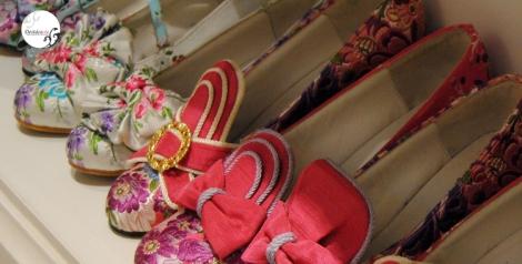 Muestra de tipos de zapatos disponibles y que se personalizan con la tela elegida por el cliente