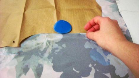 Colocación de la tela antes de marcar