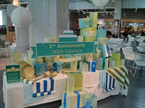 Detalle aniversario en el comedor de Ikea Alfafar