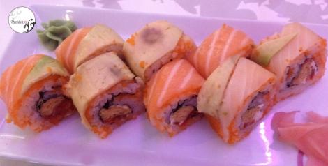 Rainbow, con soja y wasabi, ¡delicioso!