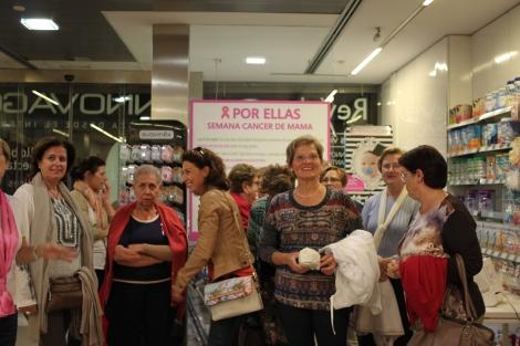 Taller asesoría de imagen semana cáncer de mama farmacia Amparo Burgos