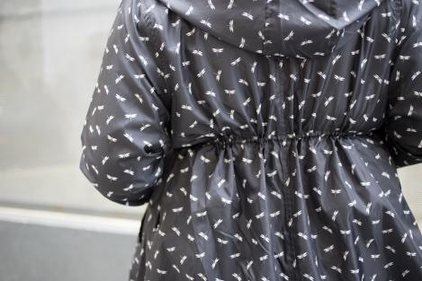 Outfit tallas grandes Paloma Silla Destaca-te lluvia katiuskas y chubasquero