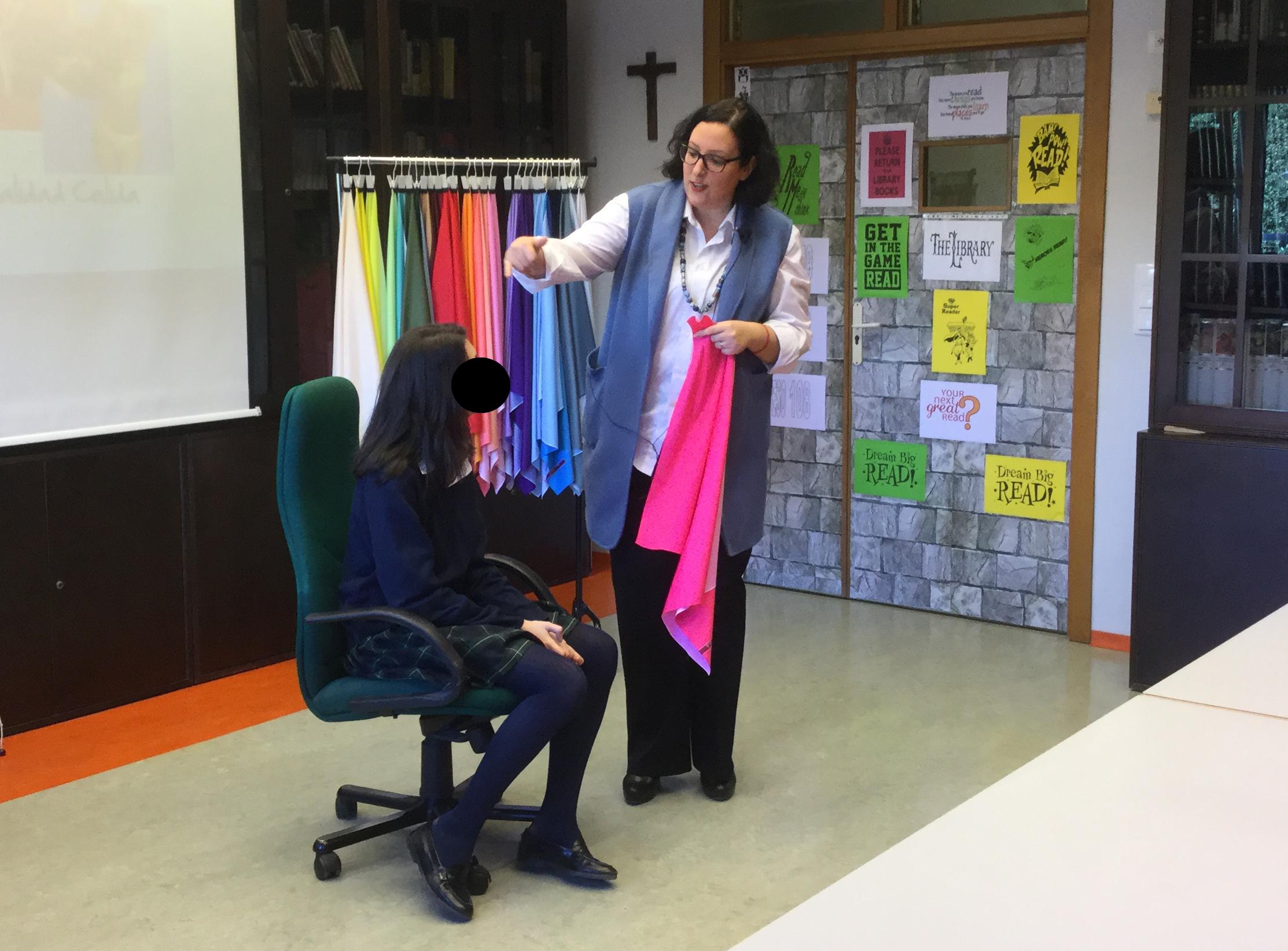 Taller colorimetria asesoria de imagen Paloma Silla Destaca-te Coso Moda