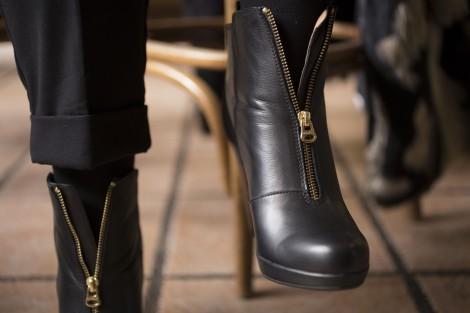 Paloma Silla Destaca-te outfit tallas grandes botines y abrigo de pelo sintetico