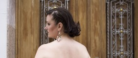 Paloma Silla Destaca-te Manolita Faldotas tallas grandes vestido trenza recogido