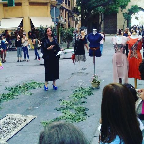 Calle Serranos Wakanda Gloria Bonita Destaca-te Paloma Silla