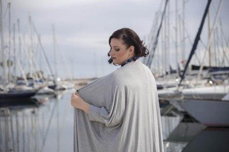 Look tallas grandes con flecos de Manolita Faldotas Paloma Silla Destaca-te en Real Club Náutico Valencia
