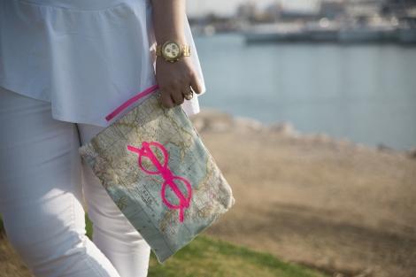Paloma Silla Destaca-te outfit tallas grandes total white bolso mapa mundi