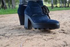 Destaca-te Paloma Silla abrigo, top y mayas cuadro escocés curvy asesoria imagen botines Calvin Klein 2