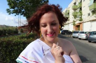 Top blanco y denim Paloma Silla Destaca-te asesoria de imagen moda curvy tallas grandes 16