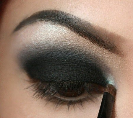 Maquillaje Negro Ahumado Trucos De Belleza Tendencias Blade Runner - Maquillaje-negro