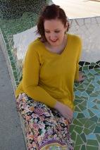 Paloma Silla Destaca-te asesoria de imagen tallas grandes pantalón floral oriental Zara dorados y ocres 10