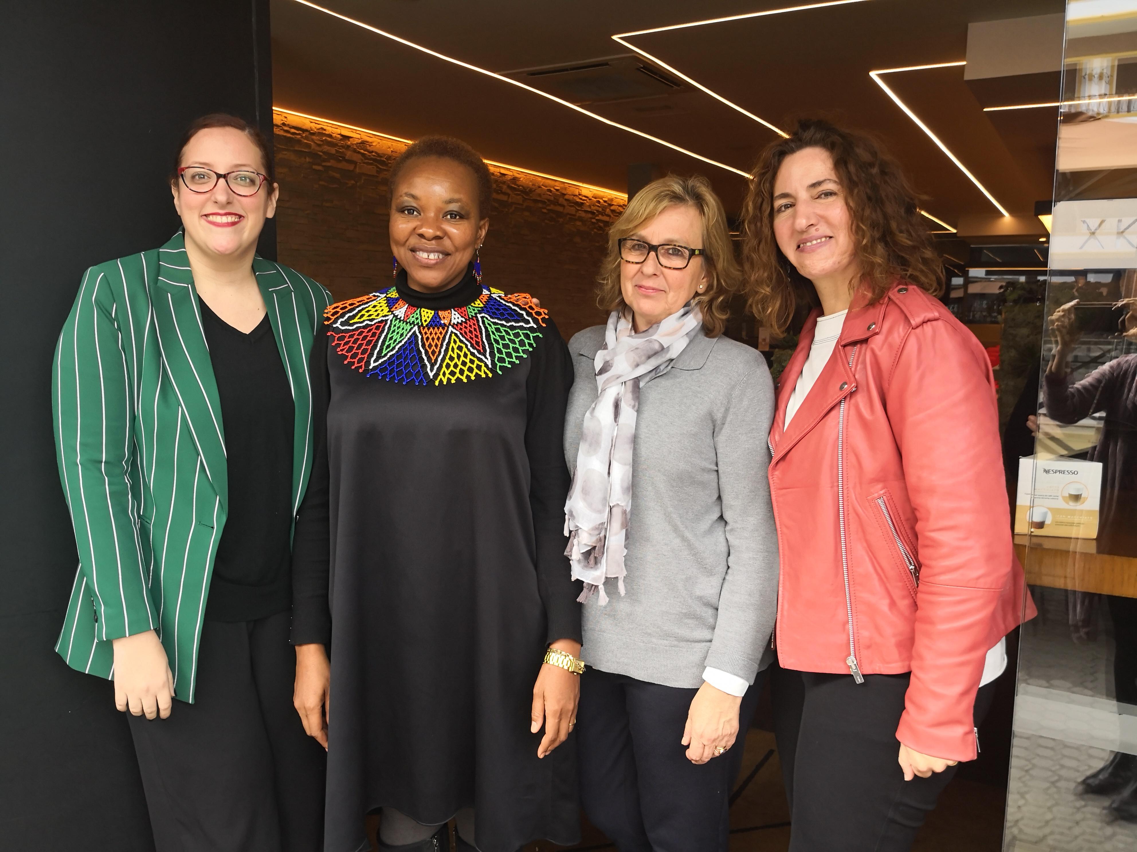 3fe07d1823 encuentro harambee-premio-2019-promocion-mujer-igualdad-africa-sevilla-valencia-destaca-te-paloma-silla-3.jpg